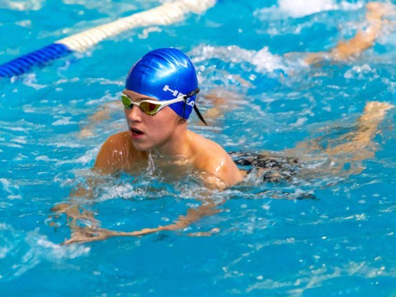 Tips de seguridad para adolescentes que practican natación - HubSports